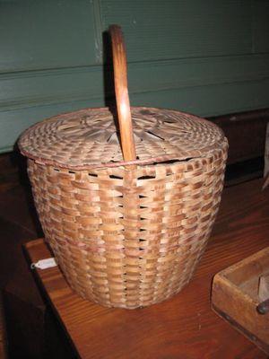 Featherbasket