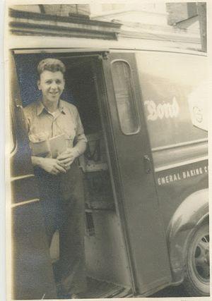 Bond Bread 1 May 1949