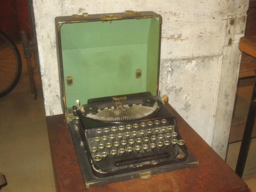 1930's Remington Monarch Portable Typewriter with Case